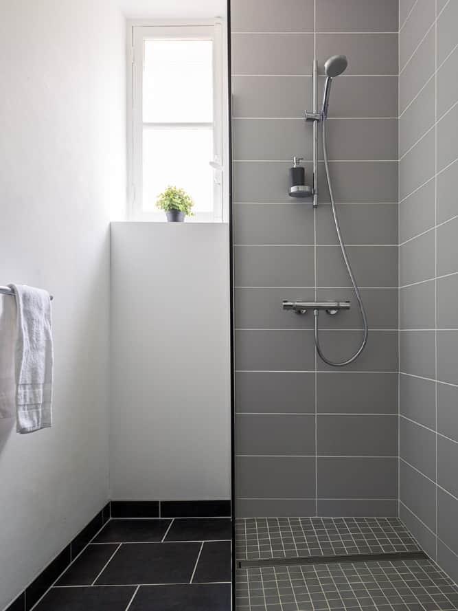salle de bains avec douche atacama