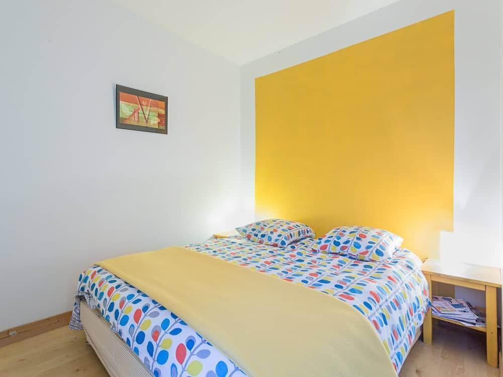 chambre jaune du grand gite du Domaine de La Reculée